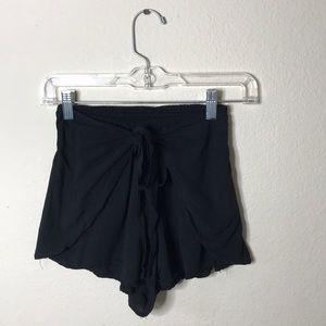 Black skort w/tie waist